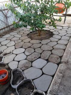 1 million+ Stunning Free Images to Use Anywhere Backyard Patio, Backyard Landscaping, Back Gardens, Outdoor Gardens, Landscape Design, Garden Design, Concrete Garden, Concrete Stepping Stones, Garden Planning