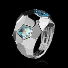 Mousson Atelier, collection Geometry, ring, White gold 750, Sky topaz, Swiss topaz, London topaz, Diamonds