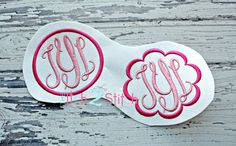 Fancy Oval Monogram Font and Frames for machine by TheItch2Stitch