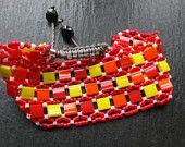 Des bracelets colorés en perles japonaises