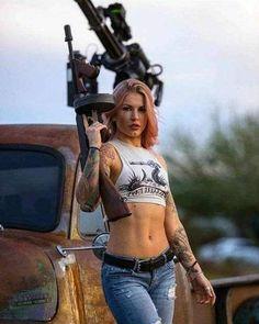 Girls with Guns ❤ Great Beards, Military Girl, Pin Up, Military Women, N Girls, Army Girls, Badass Women, Country Girls, Country Music