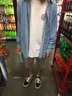 A place to post your streetwear outfits. Boy Outfits, Summer Outfits, Fashion Outfits, Mens Fashion, Mode Man, Vans Outfit, Aesthetic Fashion, Men Looks, Look Cool