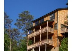 OCT 4th & 5th NOT AVAILABLE.  Bear Bottom Lodge # 219 Chalet in Gatlinburg TN. 8 Bedrooms, 5 Bathrooms, Sleeps 24. $475 per night in Sept, $525 per night in Oct.  OVERLOOKS TOWN BELOW.