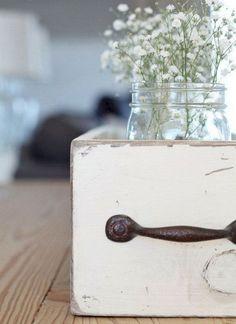 Inspiring Beautiful Farmhouse Home Decor Collections: 75 Best Ideas http://goodsgn.com/design-decorating/beautiful-farmhouse-home-decor-collections-75-best-ideas/