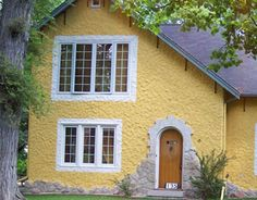 A cheerful #yellow house #paint