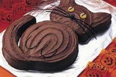 How to Make: Black Cat Cake