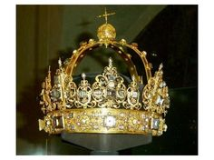 Funerary Crown of King Carl IX, Sweden (1611; gold, enamel, crystals, pearls).