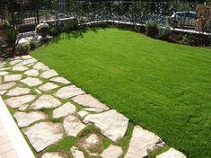 Lastricato per vialetto in pietra di Trani. Op. inc. colore mix.  www.tranigoldstone.it