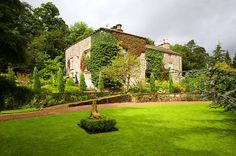Yorkshire Dales luxury country house B&B accommodation - Austwick Hall. Yorkshire Dales, North Yorkshire, Great Places, Places To Go, Gramercy Park, Beautiful Hotels, English Countryside, Britain, England