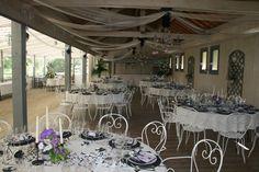 tables rondes et buffet
