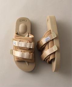 Girls Sneakers, Sneakers Fashion, Fashion Shoes, Shoes Sneakers, 90s Shoes, Mode Cyberpunk, Fresh Shoes, Hype Shoes, Sneaker Heels