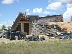 Hello, I am a United States Army Vet trying to build an Earthship. What is an Earthship? W… Ernie Mckay needs your support for Help a Vet Build An Earthship! Earthship Home Plans, Earthship Design, Green Building, Building A House, Earth Sheltered Homes, Underground Homes, Underground Living, Earth Homes, Home Pictures
