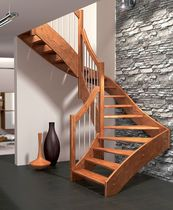 Amenagement d 39 un appartement escalier verriere et mobiliers contemporai - Escalier limon lateral ...