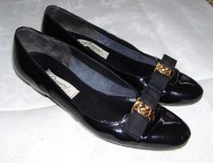 VINTAGE EARLY 1960s BLACK PATENT LEATHER LADYS SHOES RANGONI OF FLORENCE