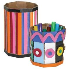 United Art and Education Art Project: Check out this innovative way to make colorful, cardboard baskets! Weaving Projects, Arts And Crafts Projects, Art For Kids, Crafts For Kids, Kid Art, Corrugated Sheets, Cardboard Art, Art Lesson Plans, Art Lessons