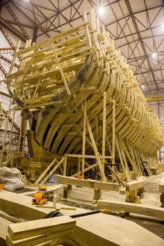 Poltava is a replica of a russian rate sailing ship of the line of being built in St. Sailing Quotes, Model Ship Building, Old Sailing Ships, Hms Victory, Ship Of The Line, Wooden Boat Building, Wood Boats, Wooden Ship, Boat Design