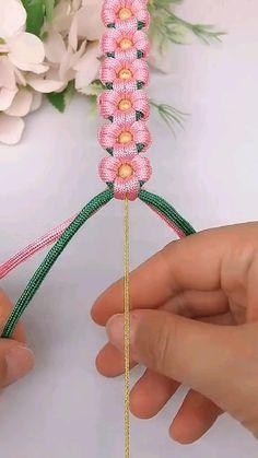Rope Crafts, Diy Crafts Jewelry, Fun Diy Crafts, Bracelet Crafts, Diy Arts And Crafts, Bead Crafts, Macrame Bracelet Diy, Crochet Necklace, Diy Bracelets Patterns