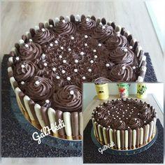 Csokoládé torta, hétköznapokra is elkészítem, mi nagyon szeretjük! Izu, Tiramisu, Ethnic Recipes, Food, Garden, Meal, Garten, Eten, Gardening