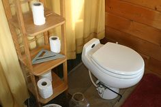 Here's the scoop on composting toilets, including the environmental benefits, how much they cost and how well they work.