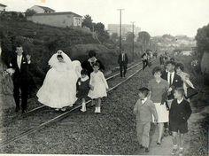 via ferrea do trenzinho da Cantareira no bairro Tucuruvi (c.1965?)