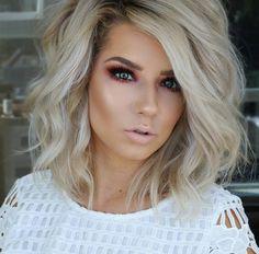 Liebe den Schnitt New Hair Cut new hair cutting games Hair Cutting Games, Medium Hair Styles, Curly Hair Styles, Brown Blonde Hair, Short Blonde, Dark Hair, Great Hair, Pretty Hairstyles, Teenage Hairstyles