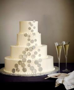 I like this but with blue bubbles  Champagne Bubbles Wedding Cake | 27 Ideas For Adorable And Unexpected Wedding Cakes