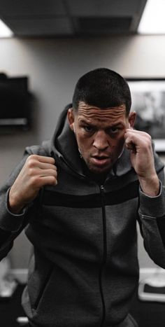 Unrestricted movement in our tracksuits. Nate Diaz kicking it with Pursue Fitness. Ufc Boxing, Boxing Workout, Gym Workouts, Nate Diaz, Diaz Brothers, Classic Tractor, Ufc Fighters, Muscle Training, Combat Sport