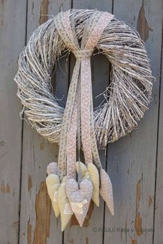 18 Modern and Boho Fall Wreath Ideas & Dalla Vita Easter Wreaths, Fall Wreaths, Christmas Wreaths, Christmas Crafts, Vine Wreath, Heart Wreath, Wreaths For Front Door, Door Wreaths, Valentine Decorations