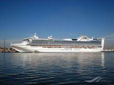 GOLDEN PRINCESS, type:Passenger (Cruise) Ship, built:2001, GT:108865, http://www.vesselfinder.com/vessels/GOLDEN-PRINCESS-IMO-9192351-MMSI-310344000
