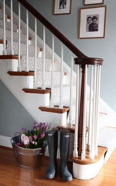 Beautiful Painted Staircase Ideas for Your Home Design Inspiration. see more ideas: staircase light, painted staircase ideas, lighting stairways ideas, led loght for stairways. House Stairs, Carpet Stairs, Stair Carpet Runner, Hallway Colours, Blue Hallway, Hall Paint Colors, Hallway Colour Schemes, Stairs Colours, White Stairs