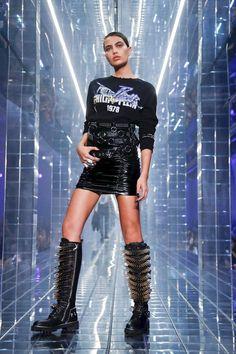 Runway Fashion, Fashion Models, Fashion Show, Fashion Outfits, Womens Fashion, Fashion Design, Dark Fashion, Grunge Fashion, Royal Blue Outfits