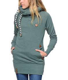 Make sure your style needs are covered with the comfort of this thick, heavy fleece hoodie that features a long slim fit with an oversized hood and brand detailing throughout.