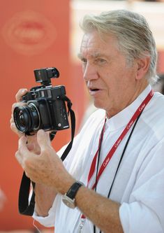 Don McCullin with Mamiya 7
