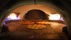 Best Artisan Pizza in downtown San Jose. At this new casual pizzeria restaurant, you order from a menu or build your own pizza. Fast, pizza in 15 Min. Clay Pizza Oven, Brick Oven Pizza, Bread Oven, Indoor Pizza Oven, Outdoor Oven, Bbq Stove, Stove Oven, Tandoori Pizza, Pizza Oven Fireplace