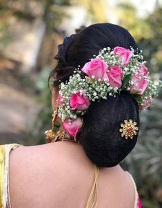 Wedding Reception Hairstyles, Wedding Bun Hairstyles, Indian Bridal Hairstyles, My Hairstyle, Trendy Hairstyles, Hairstyles Haircuts, Bridal Hair Buns, Bridal Hairdo, Bridal Hair Flowers