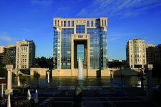 Hôtel de la Région in Montpellier, France -- Ricardo Bofill Taller de Arquitectura -- flickr.com