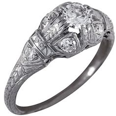 Beautiful 1920's Ring!