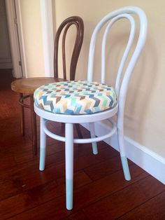 Diy dipped bentwood chair with foam cushion