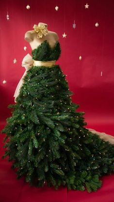 Christmas Tree Dress Great Idea for Clothing Store front Window!!