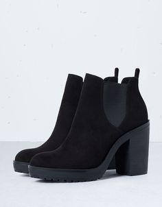 Boots botines outfit ideas for 2019 Heeled Boots, Bootie Boots, Shoe Boots, Ankle Boots, Shoes Heels, Pumps, Pretty Shoes, Cute Shoes, Me Too Shoes