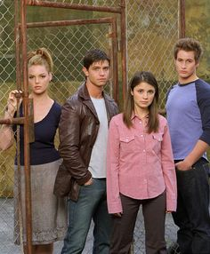 Pictures & Photos from Roswell - IMDb
