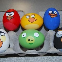 All things Angry Birds! From Easter Eggs to Birthday Cakes, the Angry Birds fan in you will surely find something fun to do! Angry Birds Eggs, Festa Angry Birds, Egg Birds, Holiday Crafts, Holiday Fun, Thanksgiving Crafts, Holiday Ideas, Fun Crafts, Easter Egg Designs