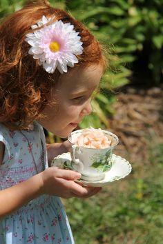cute ! Tea time photo   Looks like my little sister!!