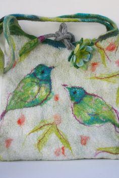 Felted Purse Bag Wet Felt Technique - Cream Bird Floral Pattern - Felted | http://beautifullhandbagstyles.blogspot.com