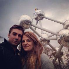 Otra de Sergio y Ana en #Bruselas, este lugar se llama #Atomium, sabes por qué se construyó?