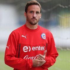 José Pedro Fuenzalida. | Ranking: 23 Jugadores de la selección chilena - del menos al más guapo