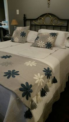 Boho Style Furniture And Home Decor Ideas Bed Cover Design, Bed Design, Bed Runner, Hand Embroidery Designs, Applique Designs, Crewel Embroidery, Designer Bed Sheets, Floral Bedspread, Chenille Bedspread