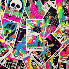 What Are Tarot Cards? Made up of no less than seventy-eight cards, each deck of Tarot cards are all the same. Tarot cards come in all sizes with all types of artwork on both the front and back, some even make their own Tarot cards What Are Tarot Cards, Tarot Learning, Tarot Card Decks, Witch Aesthetic, Tarot Spreads, Oracle Cards, Tumblr, Psychedelic Art, Book Of Shadows