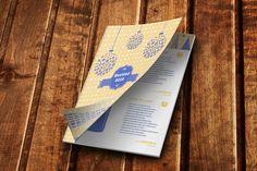 Nuevo año para este catálogo de cestas y cosas ricas para la Navidad. Es a dos tintas para abaratar costes y con gran espíritu navideño :D Branding, Marca Personal, Editorial Design, Layout, Cover, Books, Pink, Photomontage, Design Web