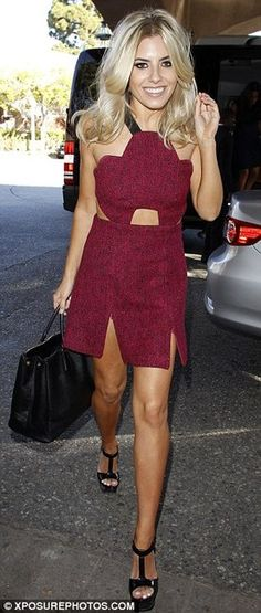 mollie king. beautiful from head to pretty toes!